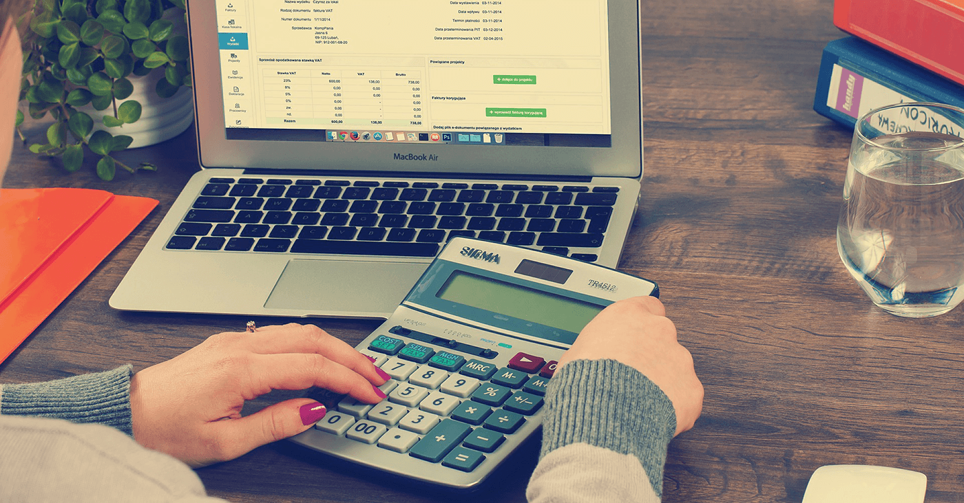 Jesteś podatnikiem VAT? Przygotuj się na nadchodzące zmiany i… zgarnij do 1700 zł premii!